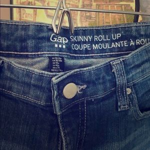 Gap Skinny Roll Up dark wash jeans size 10/30r